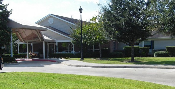 Colonial Oaks Senior Living at Westchase